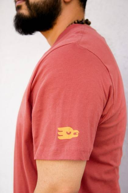 marble rust tee side view